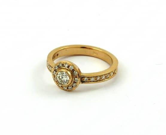 modernaus stiliaus vestuviniai žiedai